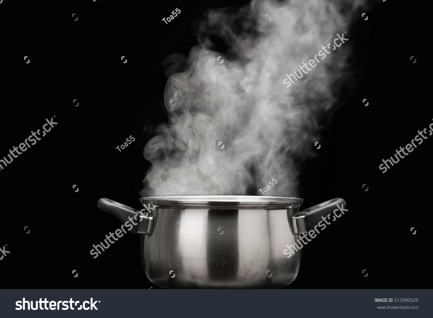 Steam Over Cooking Pot Stock Photo 513390529 - Shutterstock