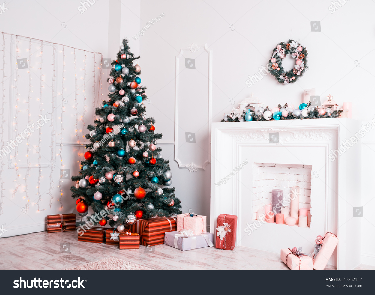 living room with Christmas Tree | EZ Canvas