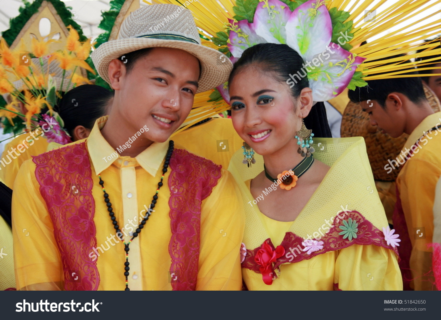 filipino customs and traits Filipino customs and traditions filipino culture is unique compared to other asian countries  having close family ties is also one of their unique traits.