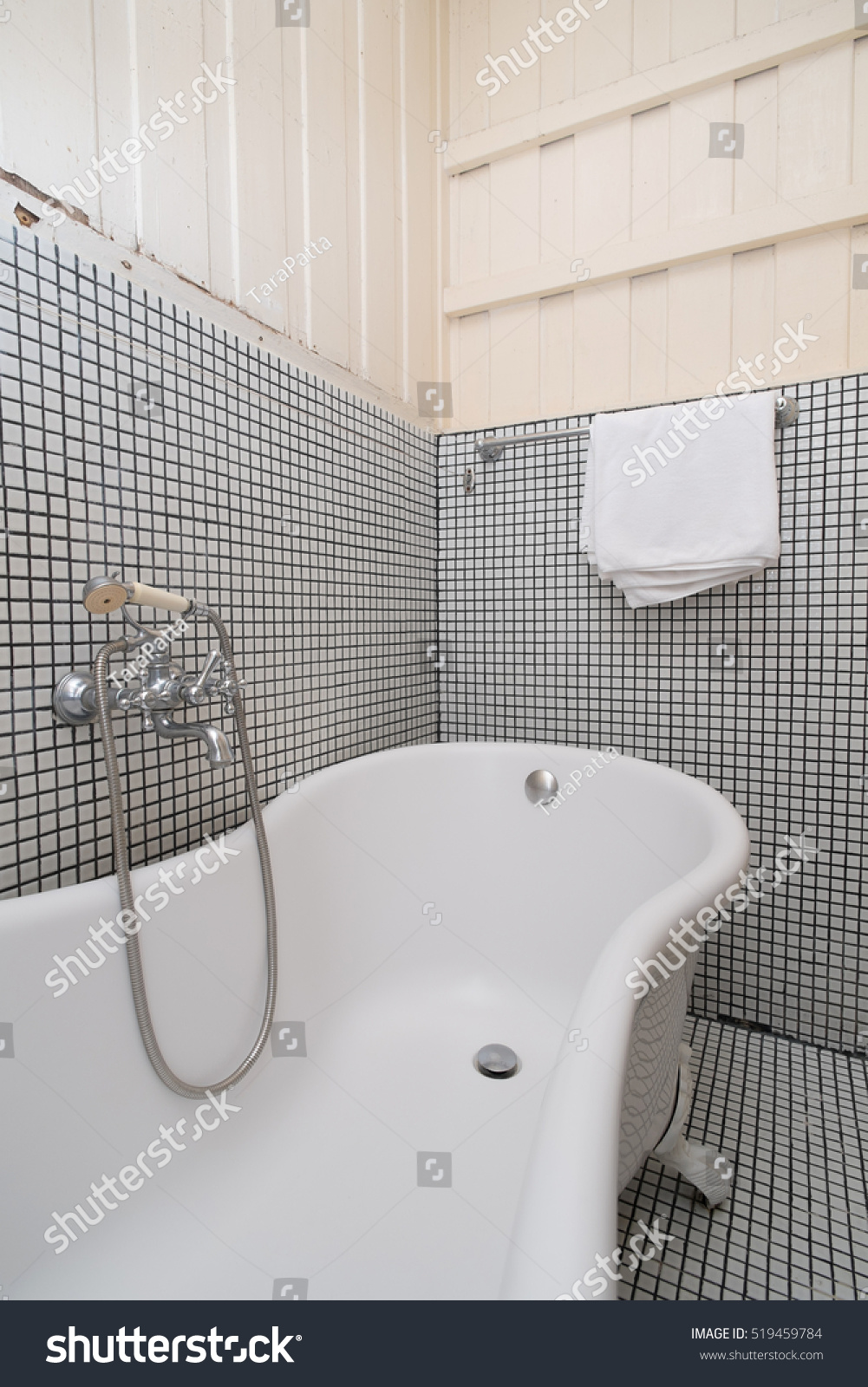 Classic Vintage Bath Tub Colonial Style Stock Photo 519459784 ...