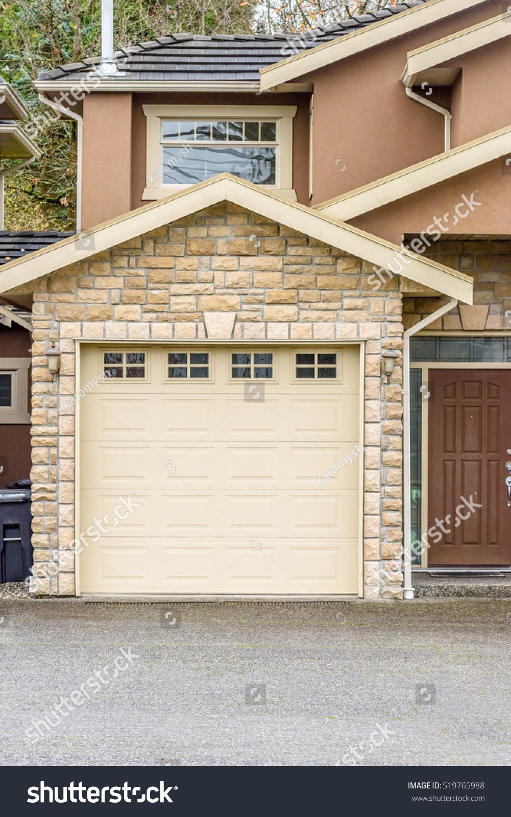 Garage Door Vancouver Canada Stock Photo Edit Now 519765988