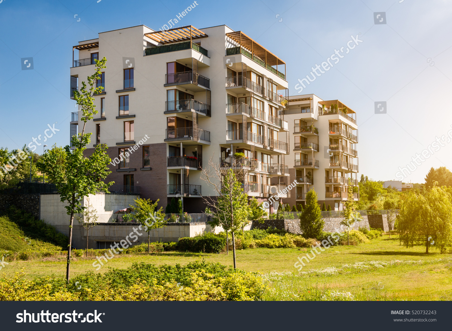 living in the block of flats essay Also, blocks of flats are always situated in the centre of the town so you have everything near the place you live, for example, the chemist's, the greengrocers, the supermarket, etc however, living in a flat has also some disadvantages.