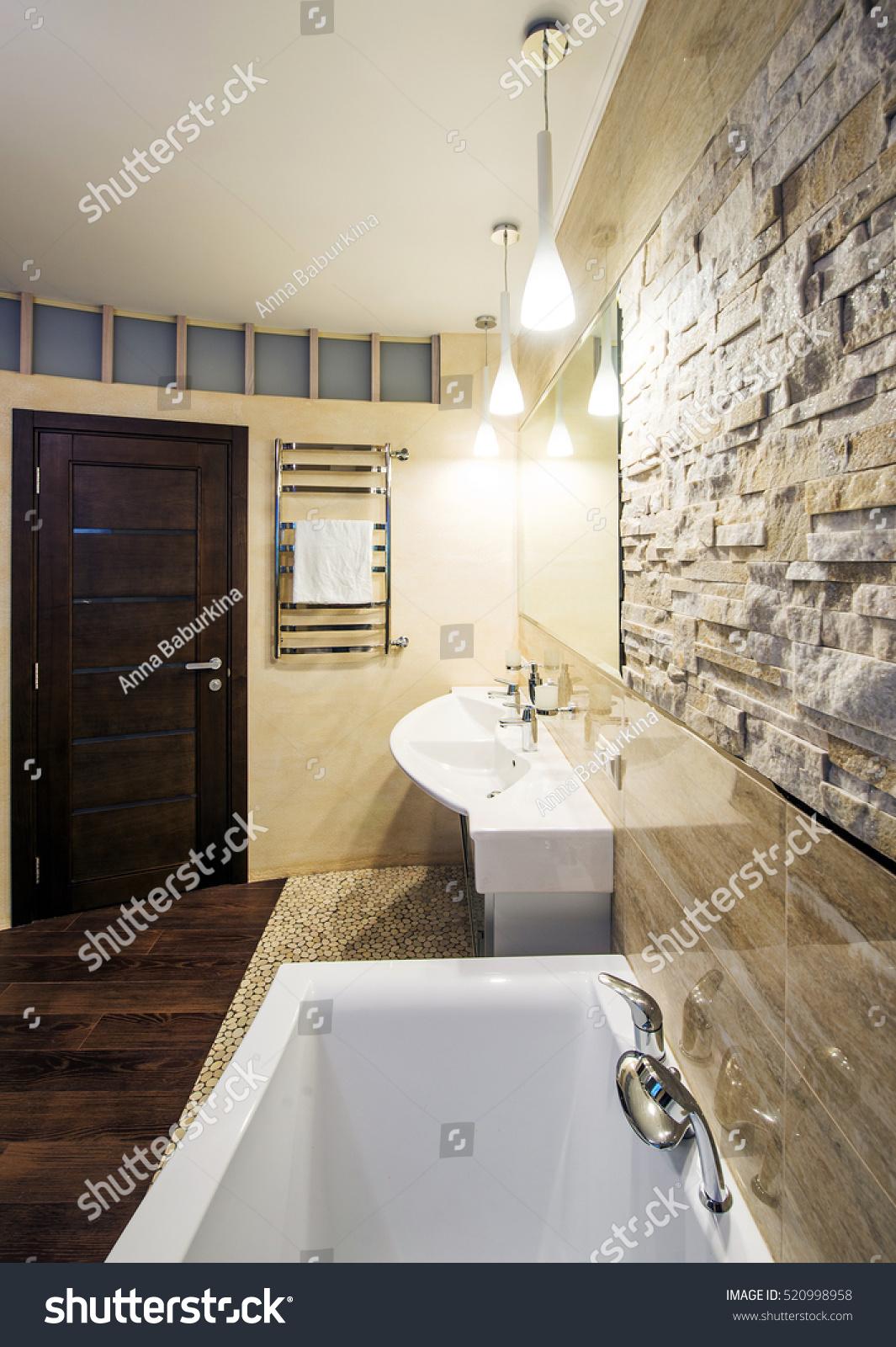 Modern Spacious Bathroom Suite Designed Luxury Stock Photo 520998958 Shutterstock