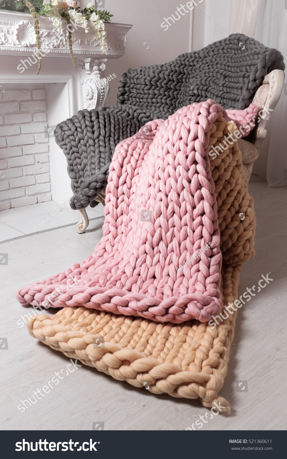 large knit blanket s giant knit stock photo 521360611 shutterstock. Black Bedroom Furniture Sets. Home Design Ideas