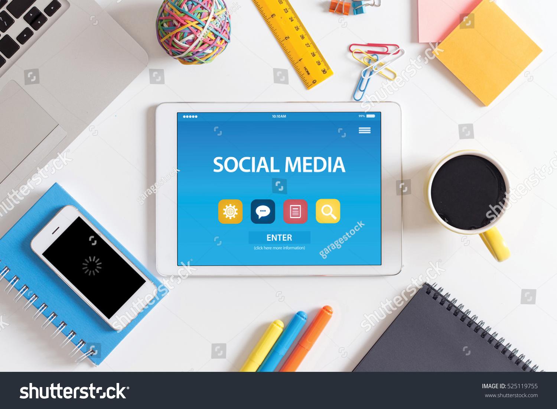 SOCIAL MEDIA CONCEPT ON TABLET PC SCREEN