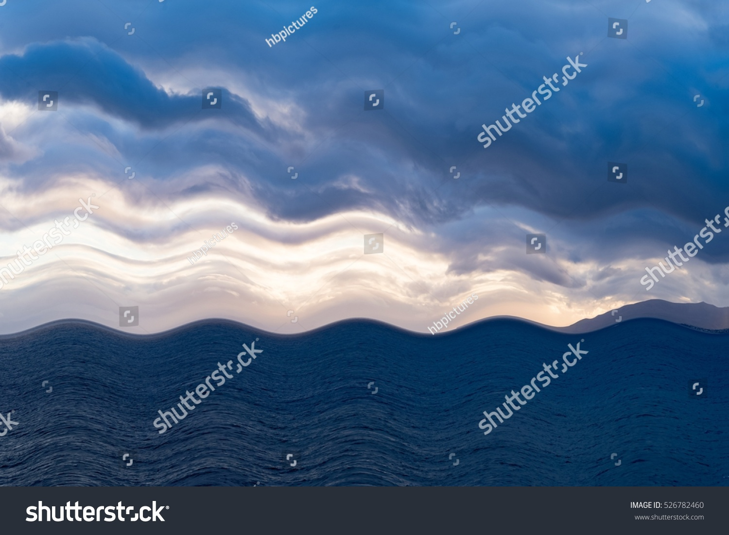 Royalty-free Atlantic ocean with blue water on a… #526782460