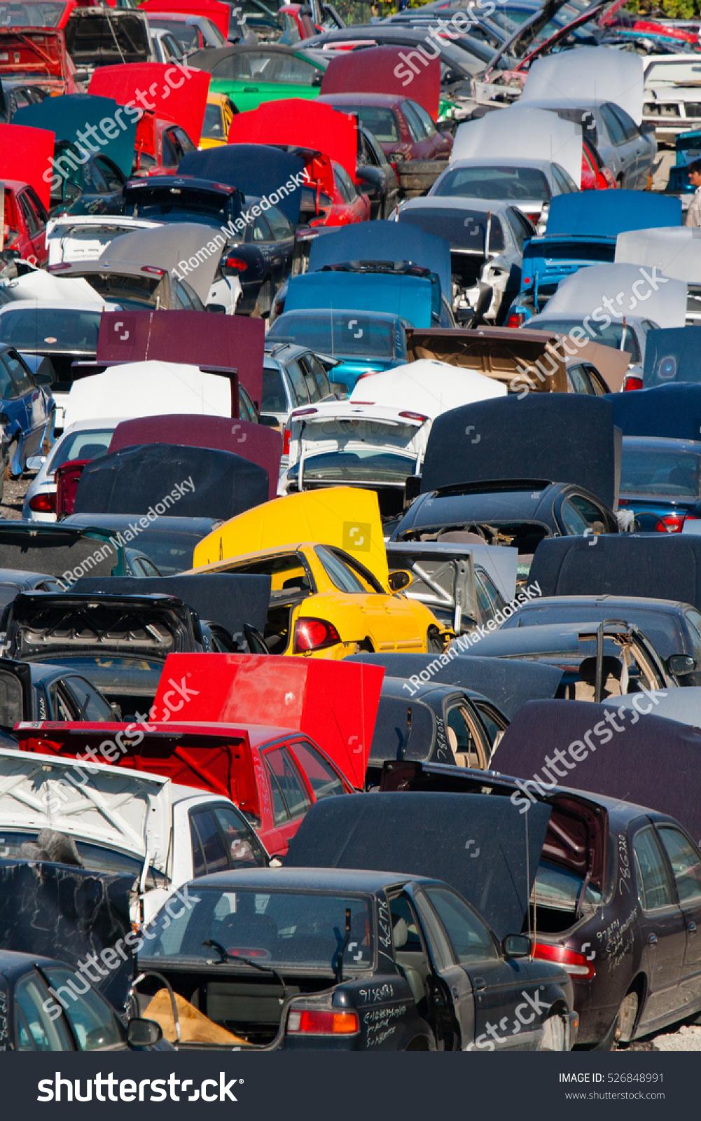 Scrap Car Recycle Yard Stock Photo 526848991 - Shutterstock