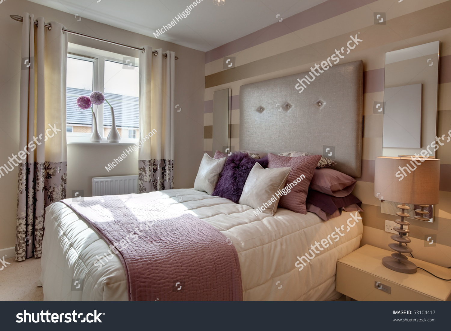 Opulent modern bedroom with fashionable oversized for Opulent bedrooms