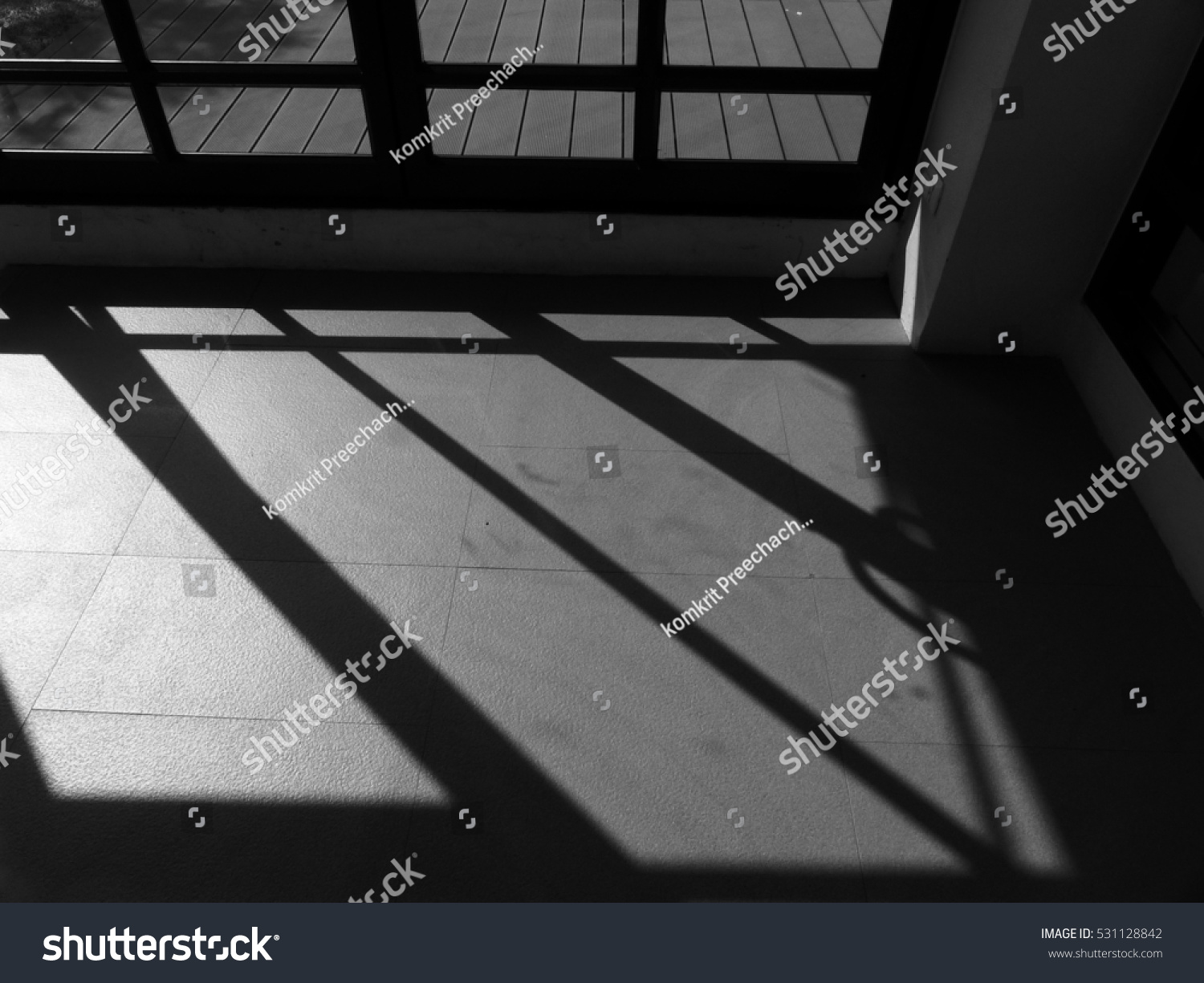 Shadow Gap Staircase Lighting: Black And White Staircase Interior With Light And Shadow