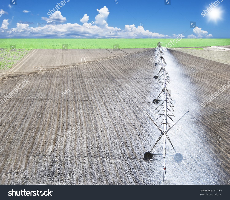 Modern Irrigation Pivot System Watering Farm Stock Photo 53171266 ...
