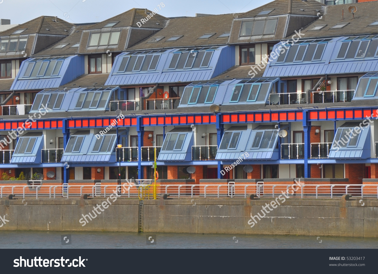 Riverside Apartments On The River Clyde In Glasgow