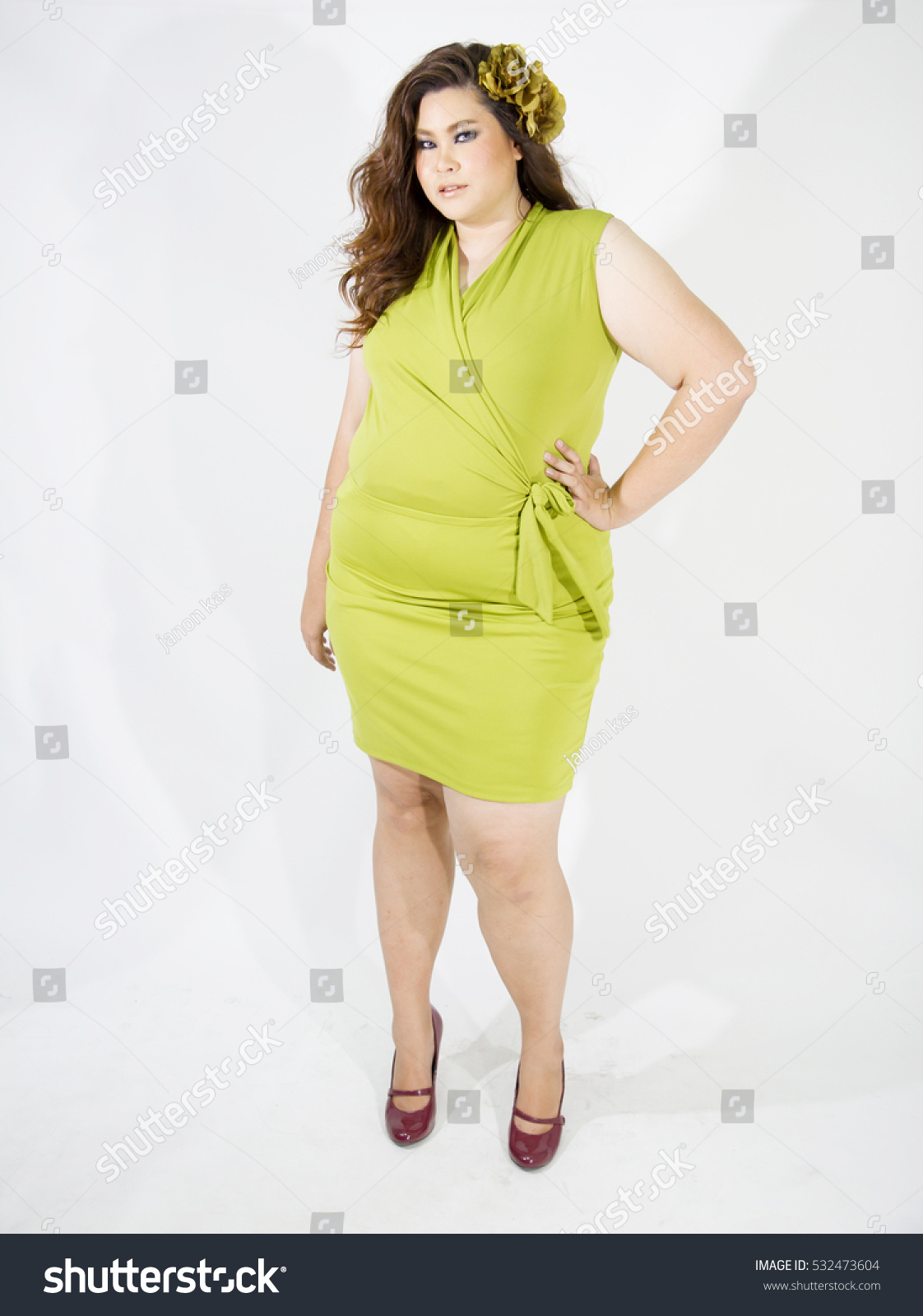 Poses for plus size sexy pictures opinion