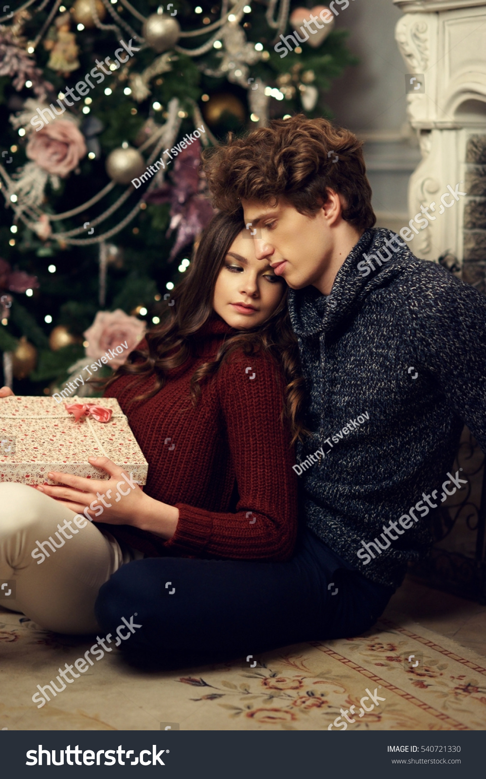 cute couple christmas pictures