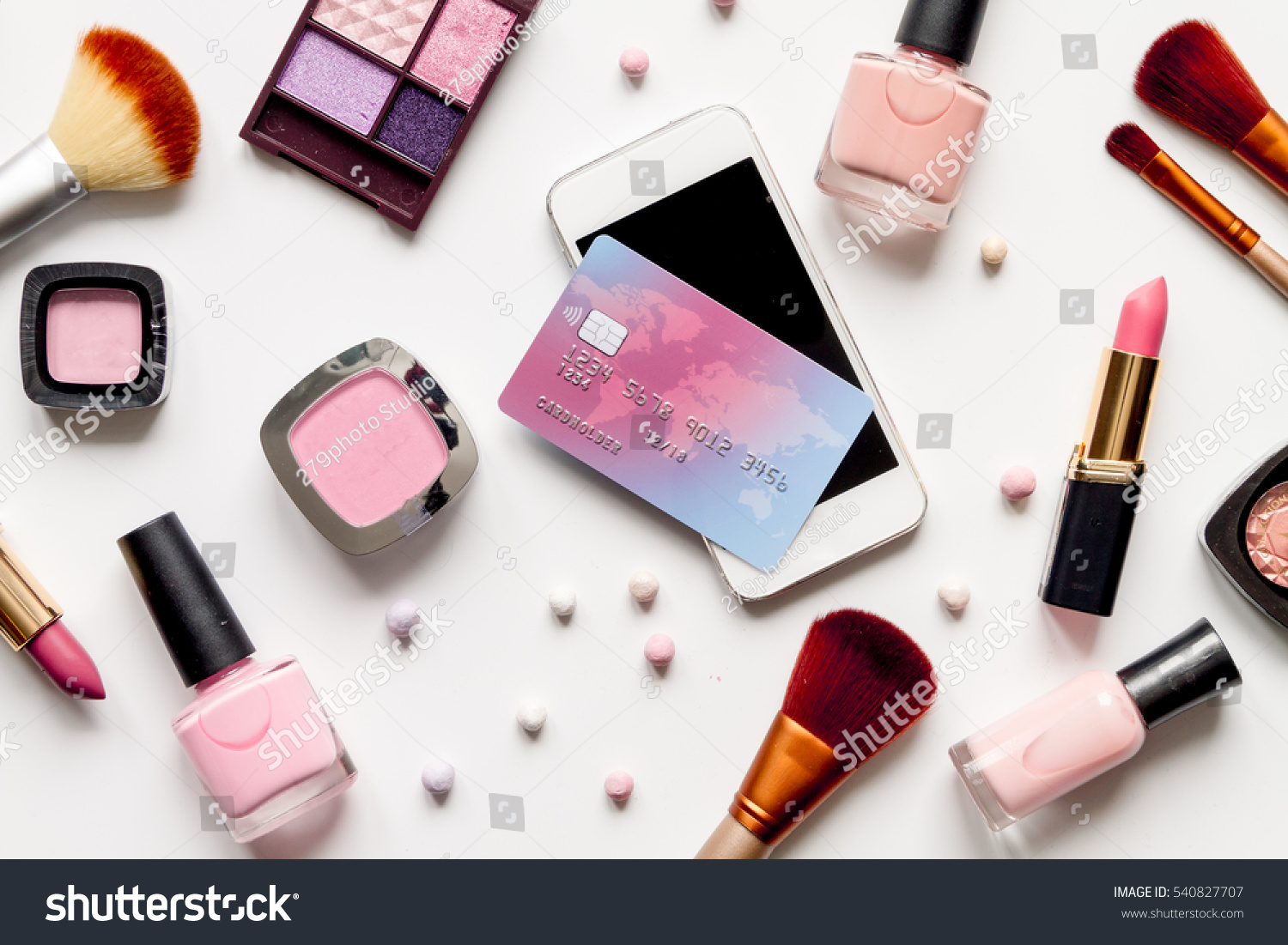 Online shopping for lipstick