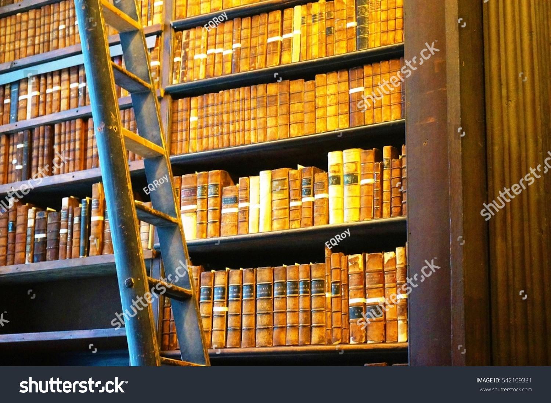 Dublin Ireland 1 Nov 2016 The Old Library Building At Trinity