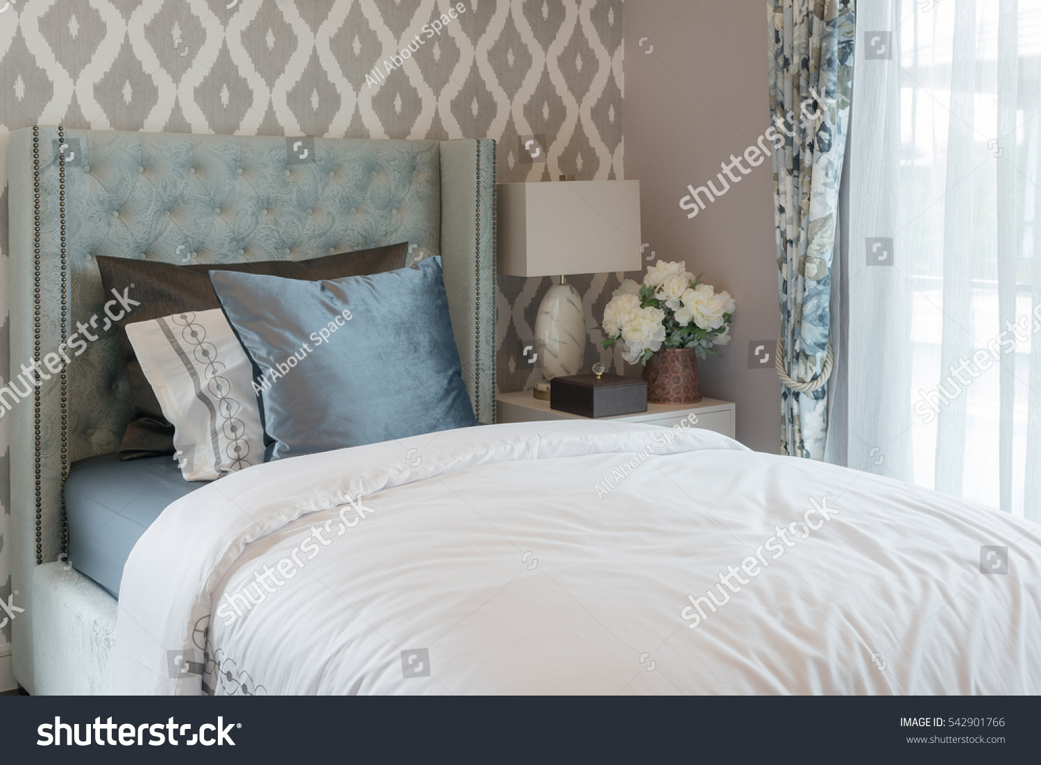 Luxury bedroom classic single bed set stock photo 542901766 shutterstock - Beautiful snooze bedroom suites packing comfort in style ...