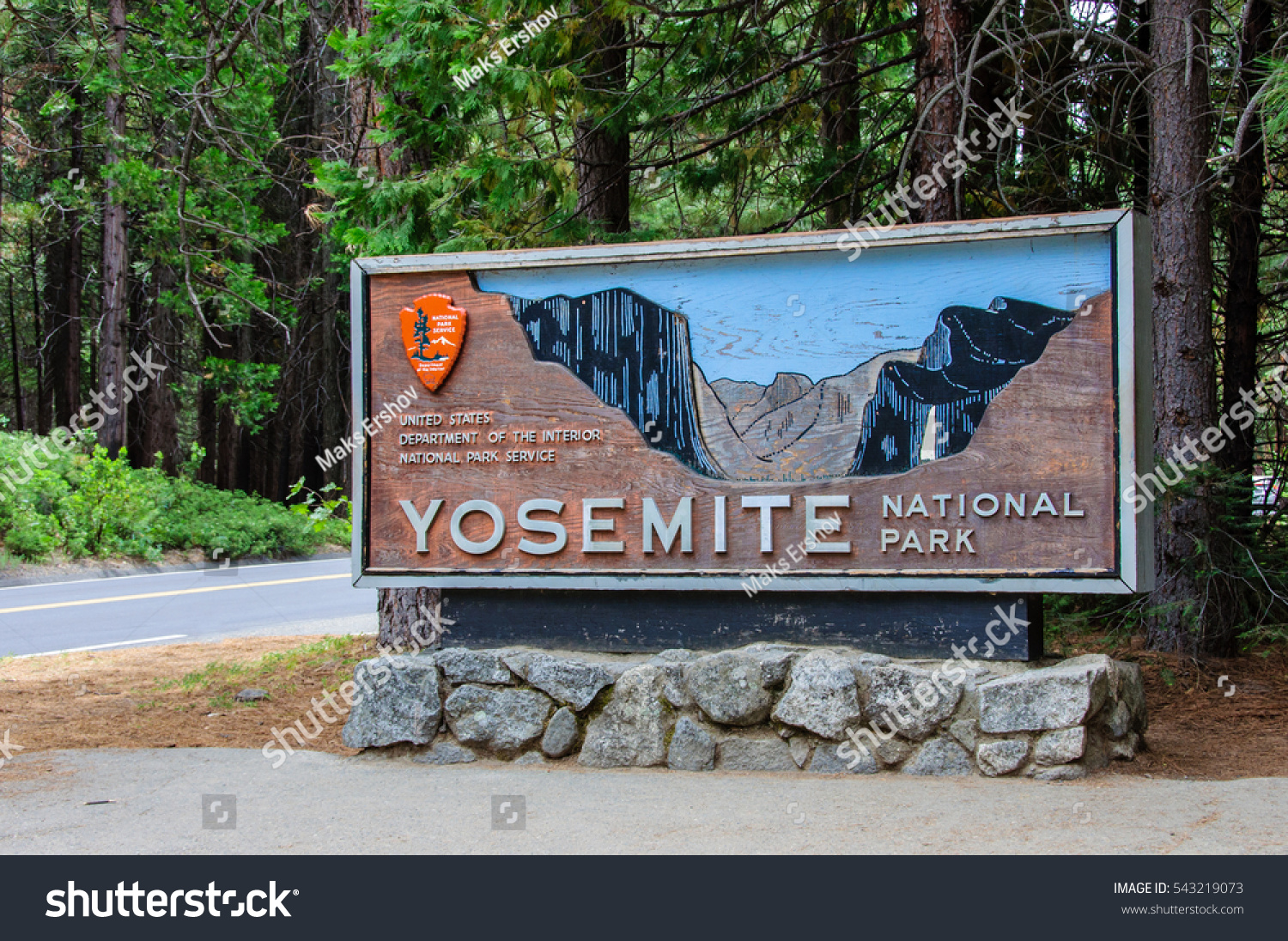 Welcome to national sales network - Welcome Entrance Sign In The Yosemite National Park California Usa