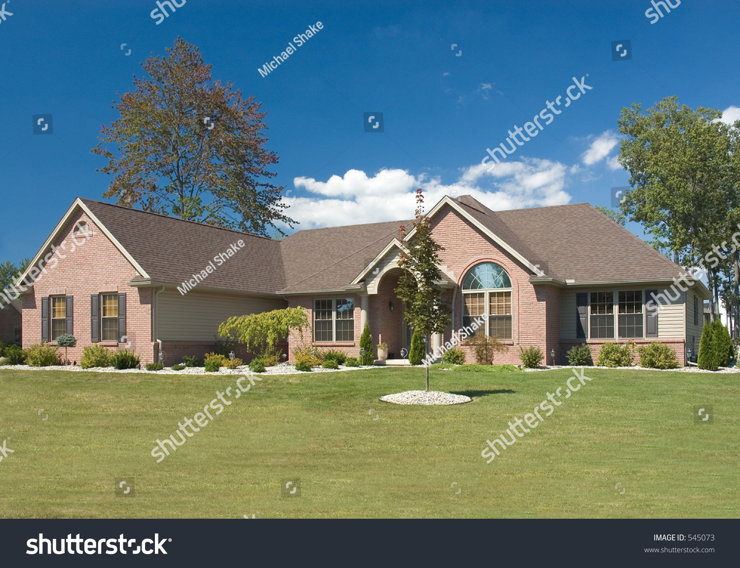 Brick ranch home stock photo 545073 shutterstock - What is a ranch house ...