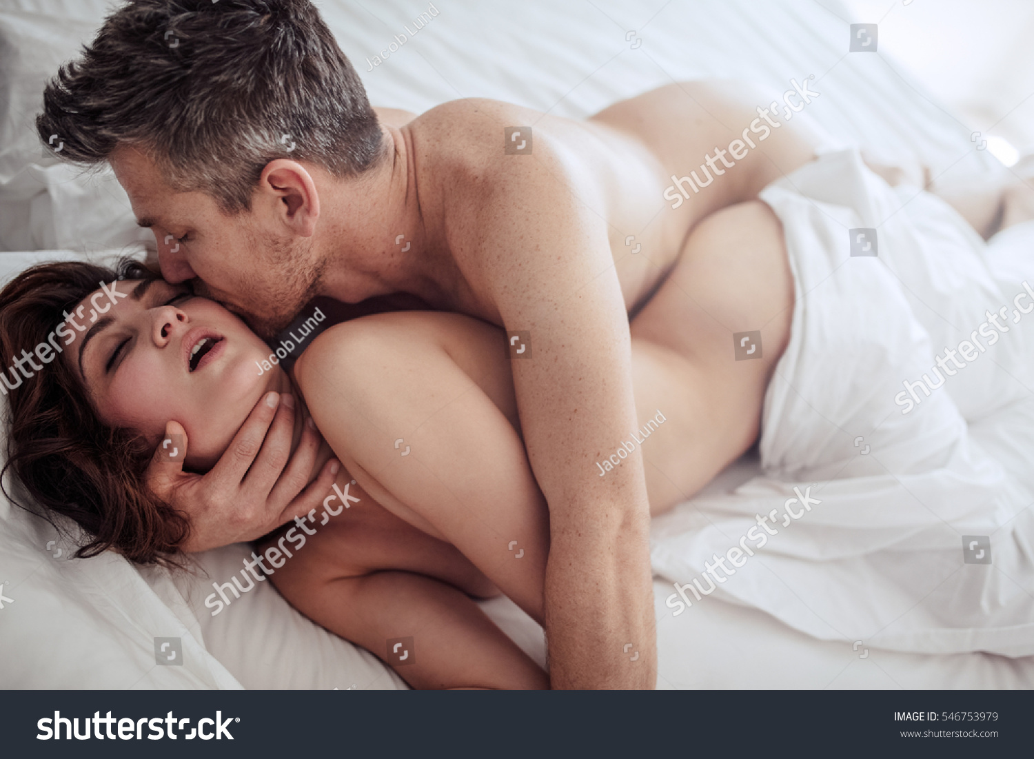 Are Couples making love sex