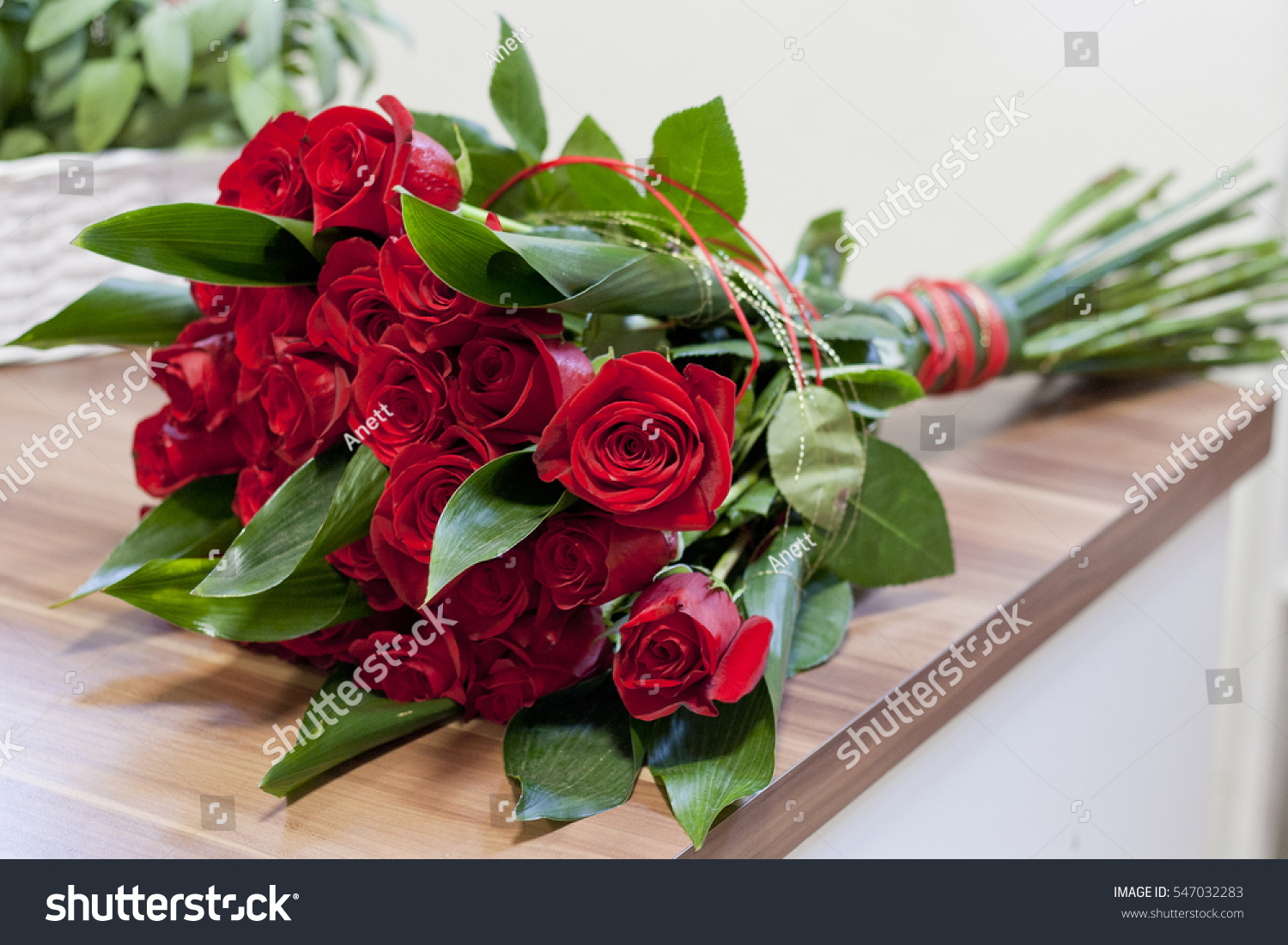 Luxury bouquet made red roses flower stok fotoraf 547032283 luxury bouquet made red roses flower stok fotoraf 547032283 shutterstock izmirmasajfo