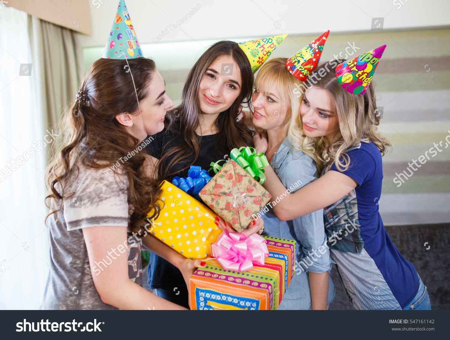What to give a girl a birthday