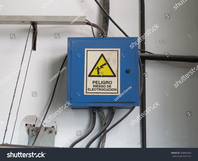 Electrocution Warning Sign Spanish Sorrounded By Stock Photo & Image ...