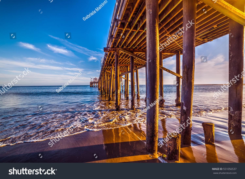 Wooden Poles Malibu Pier California Imagen De Archivo (stock ...
