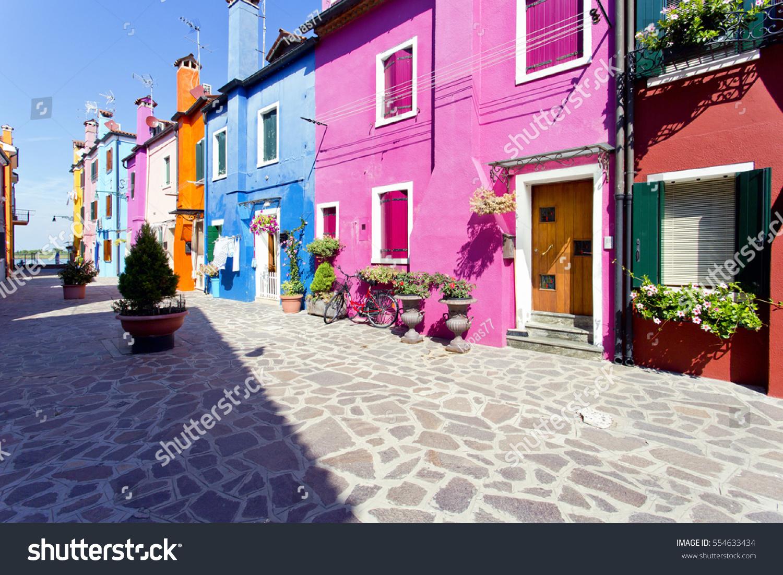 Houses on canvas | EZ Canvas