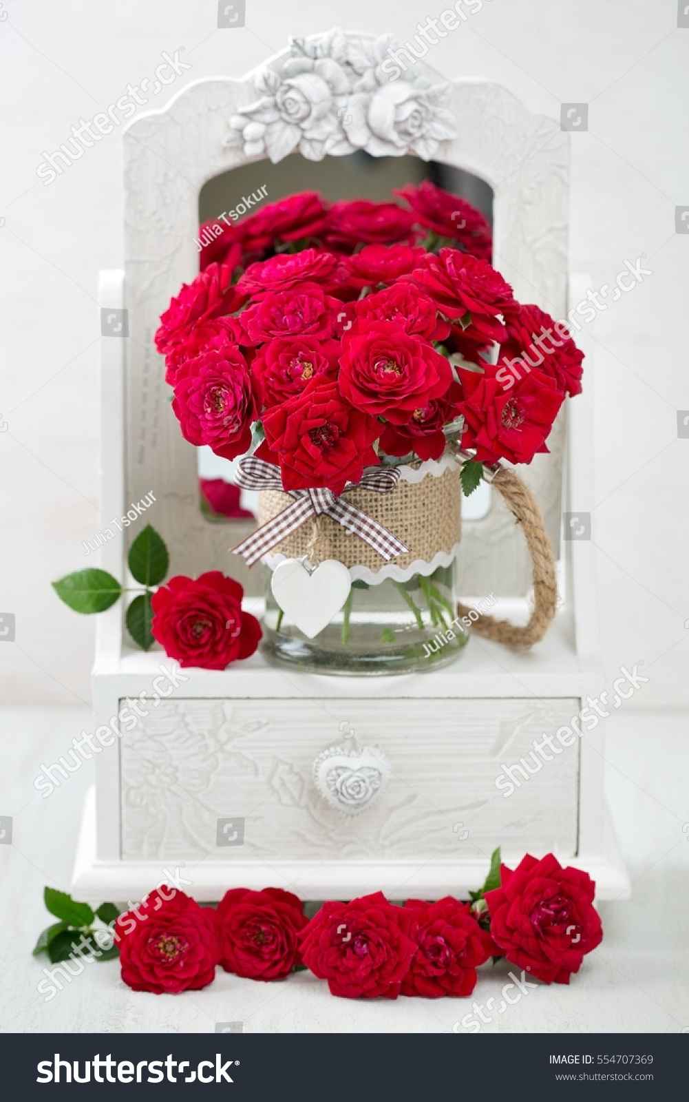 Beautiful red roses lovely bunch flowers stock photo royalty free beautiful red roses lovely bunch of flowers autiful fresh roses in a vase decorated izmirmasajfo