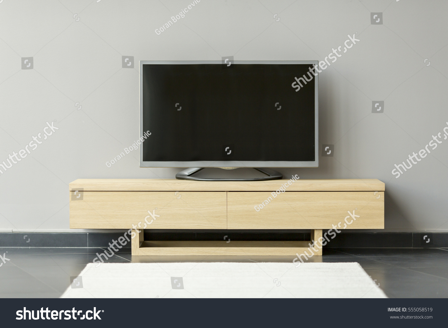 Flattv Standing On Commode Room Stock Photo 555058519 Shutterstock # Commode Tv But