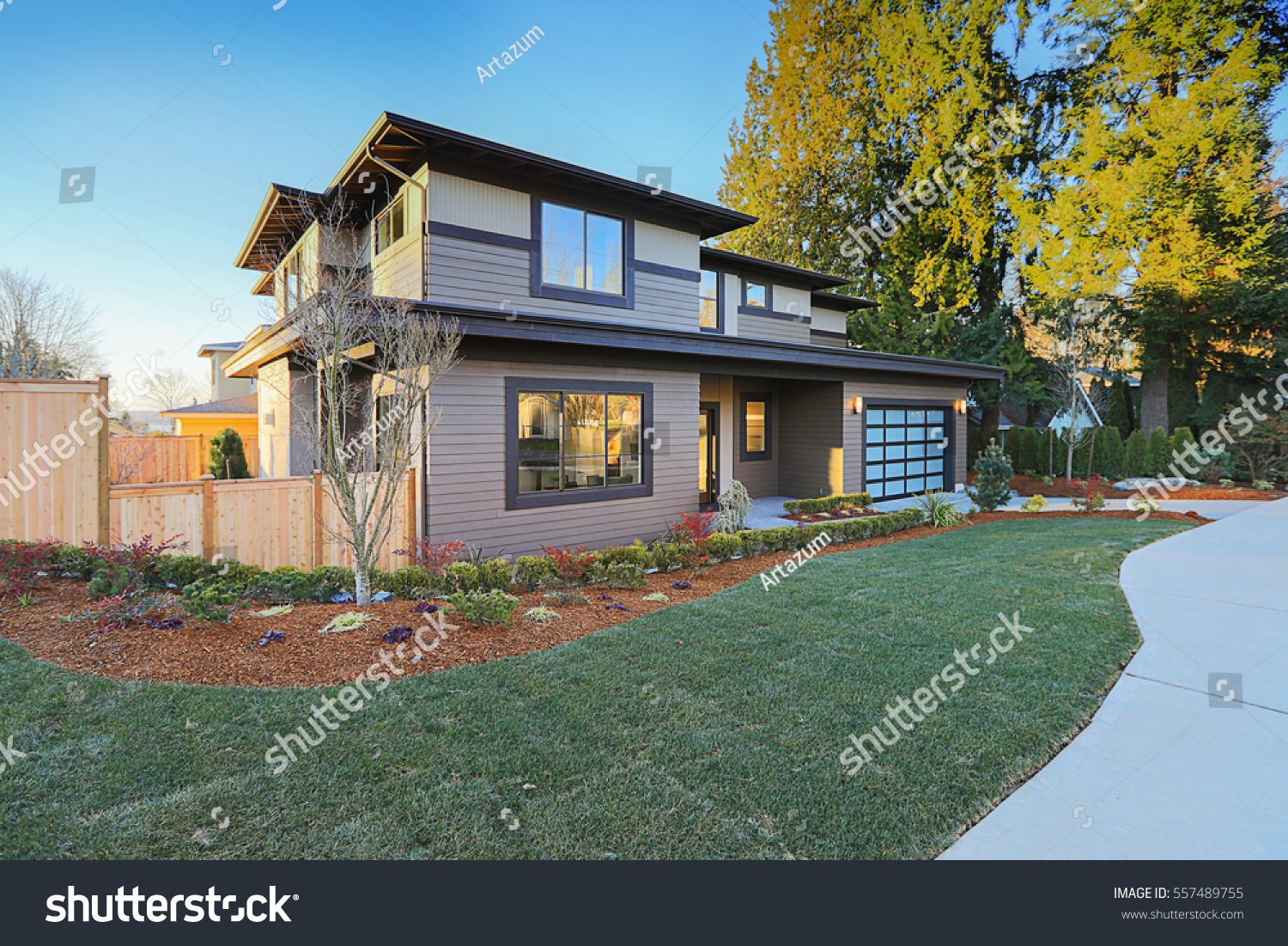 New Construction Home Exterior Contemporary House Stock Photo (Royalty  Free) 557489755   Shutterstock