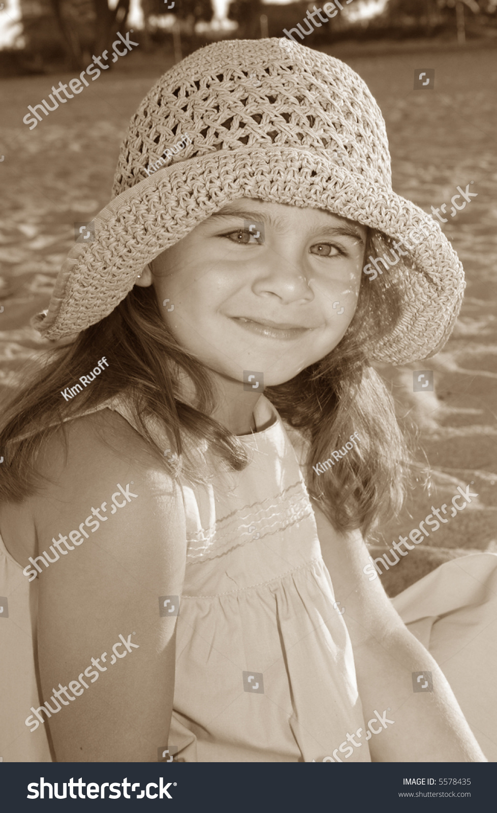 45b08535 Adorable Young Girl Straw Hat Beach Stock Photo (Edit Now) 5578435 ...