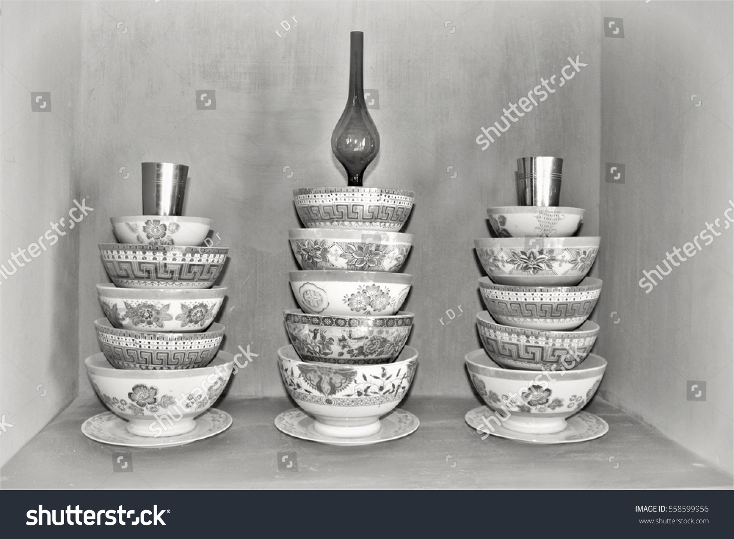 stock-photo-ceramic-bowls-in-selective-f