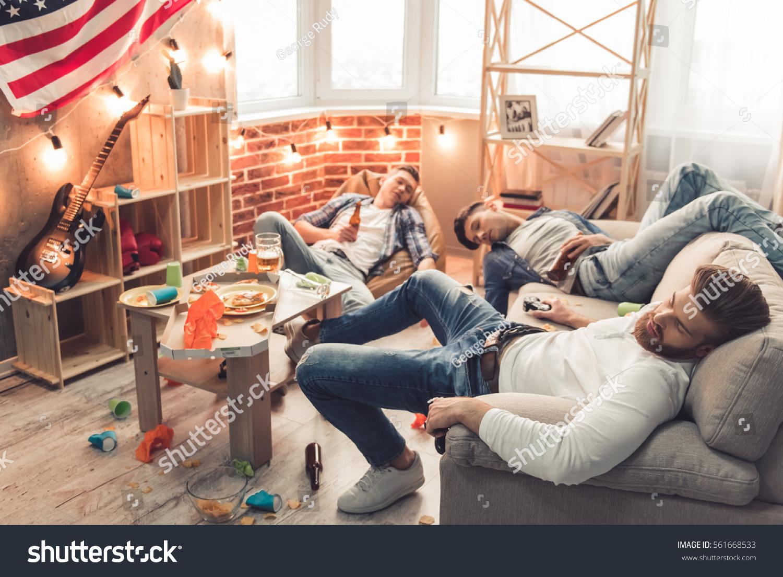 Sleeping guys pic 17