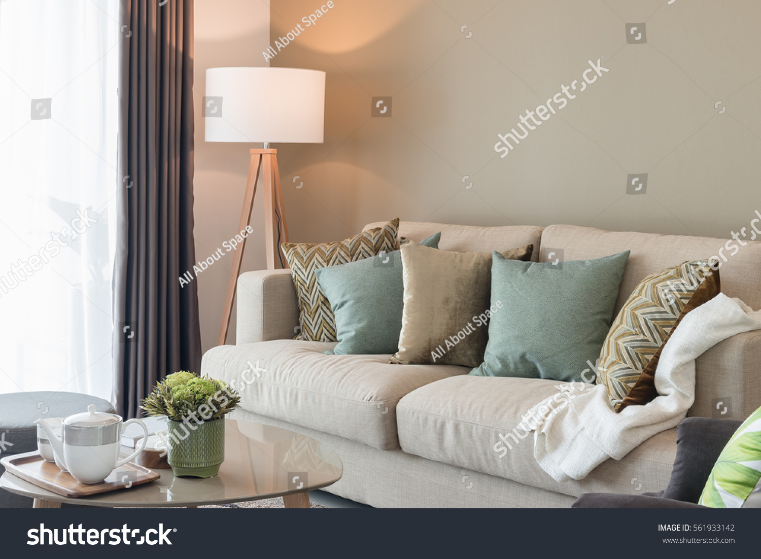 Modern Living Room Green Pillows On Stock Photo 561933142 Shutterstock
