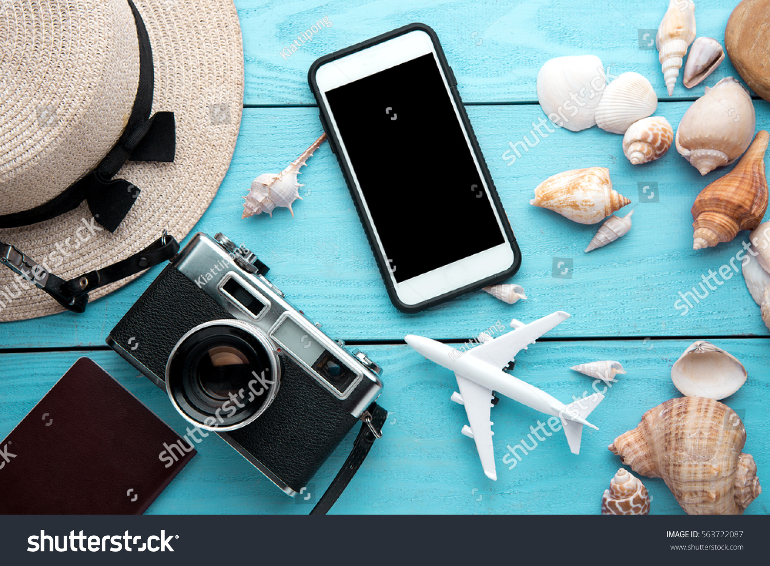 Useful gadgets and accessories for summer holidays