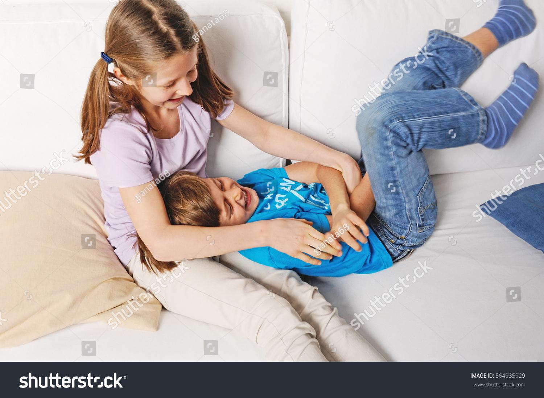Старший брат порвал целку, Брат порвал целку - смотреть порно онлайн или скачать 15 фотография