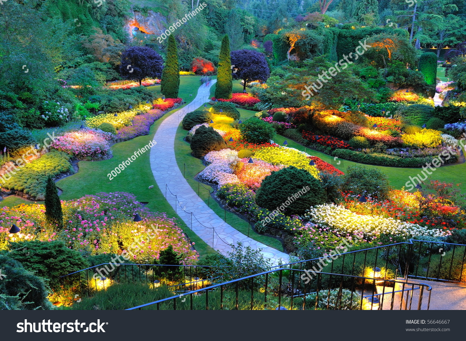 Summer garden lighting butchart gardens victoria stock for Gardening tools victoria bc