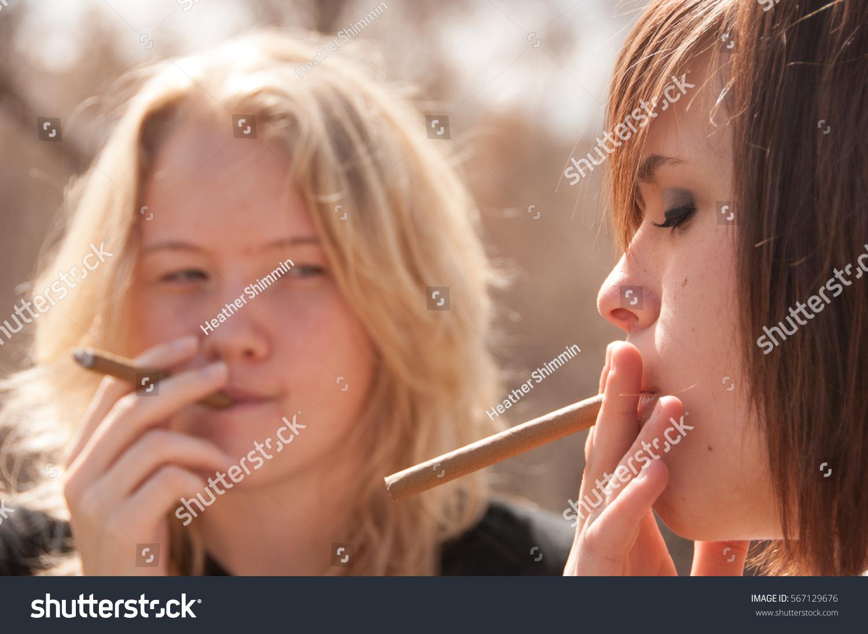 teens Two lips