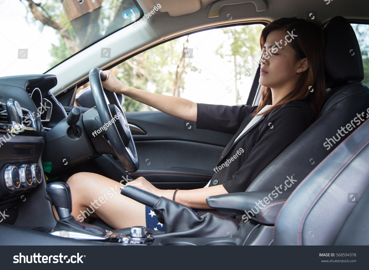 Sad Asian Woman Driver Car Stock Photo 568594378 - Shutterstock-5618
