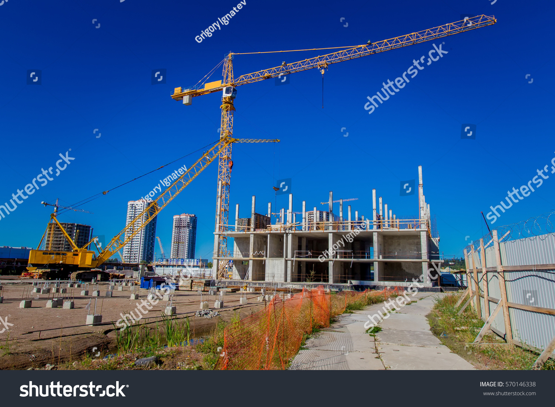 Construction site crane home construction stock photo for Home construction websites