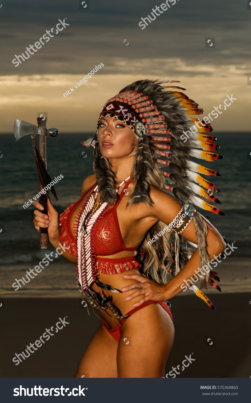Sexy Woman Wearing American Indian War Stock Photo (Edit Now) 570368860