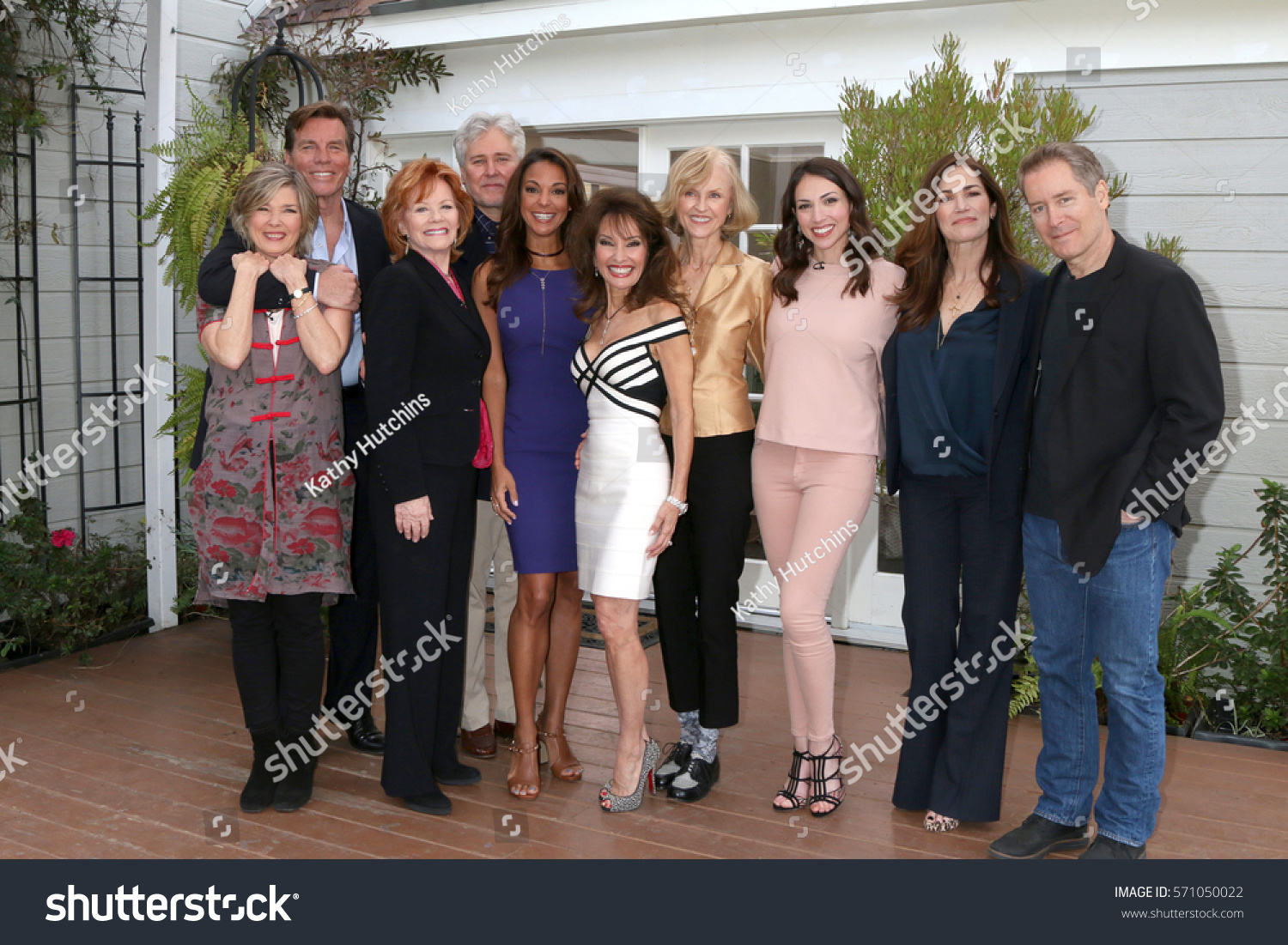 Home and family cast pictures.