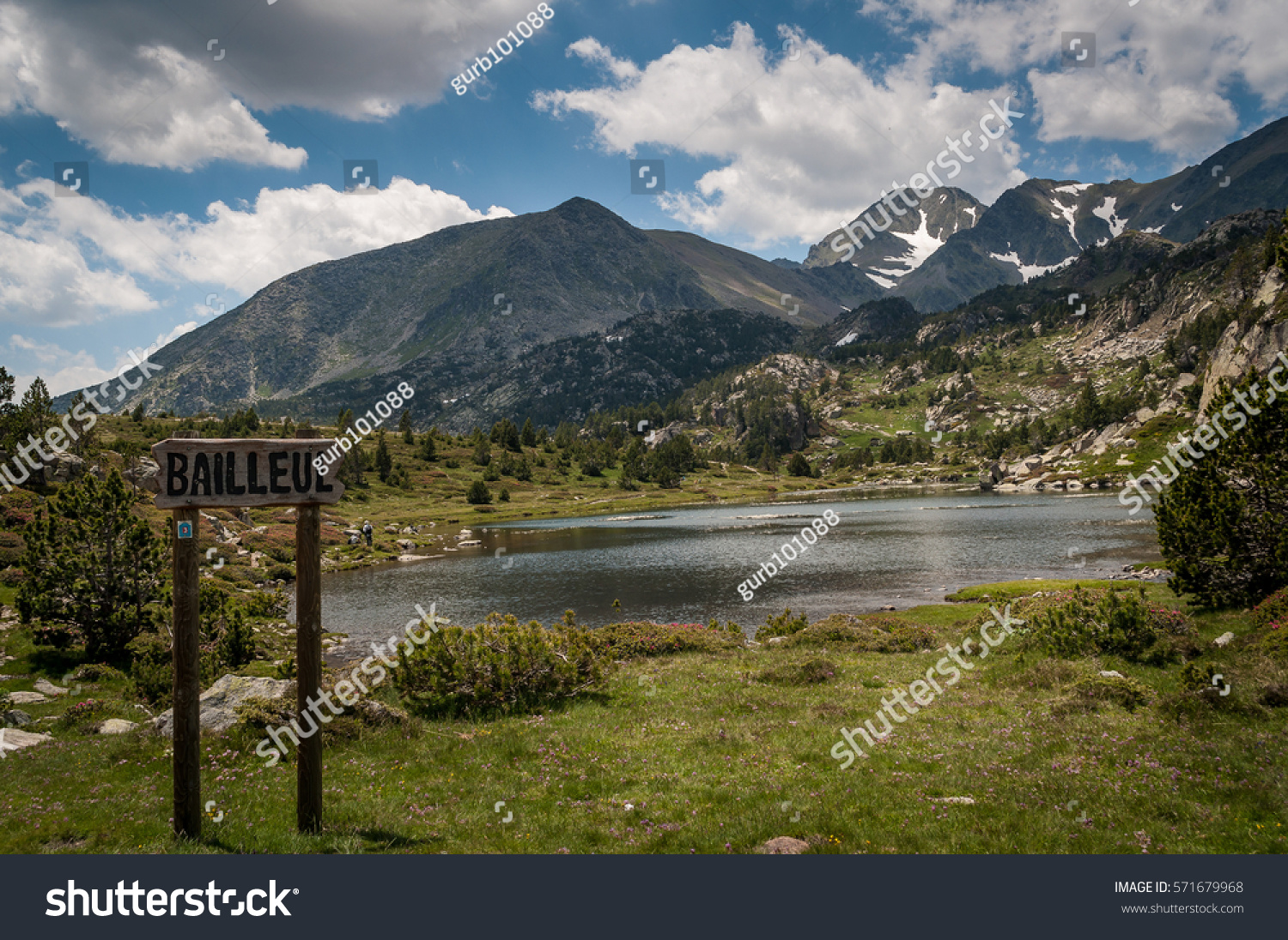 Les bouillouses lakes france stock photo 571679968 shutterstock les bouillouses lakes in france sciox Image collections