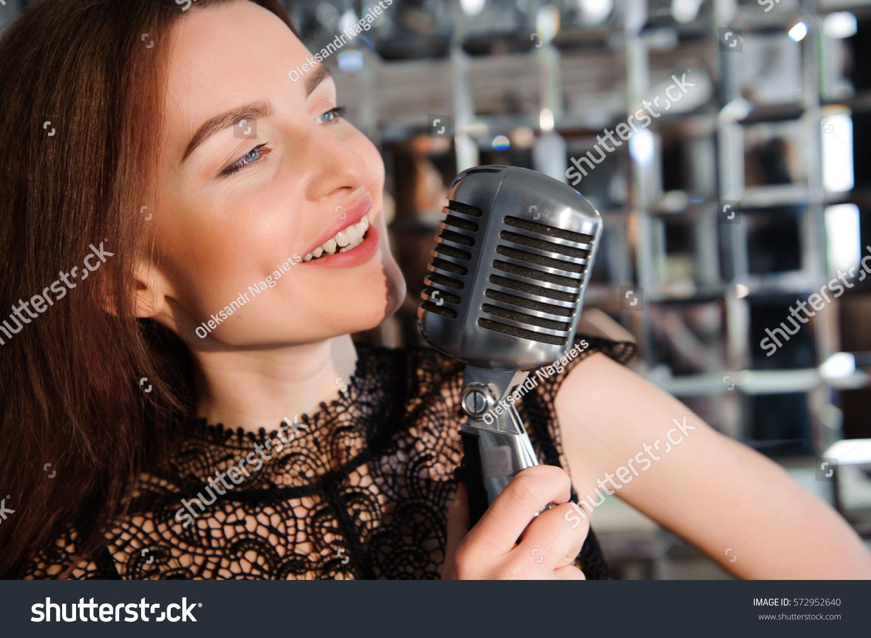 singing the girl retro - photo #38