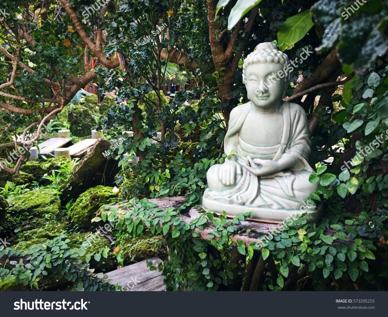 Buddha Statue Garden Stock Photo Edit Now 573295255