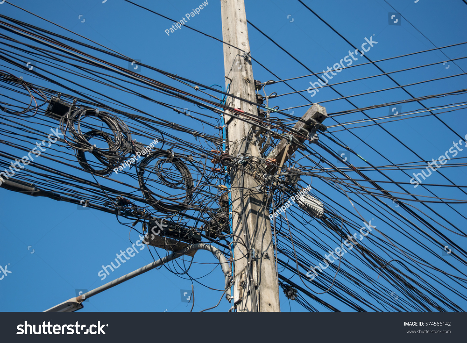 Many Wires Messy With Power Line Cables Ez Canvas Wiring Id 574566142
