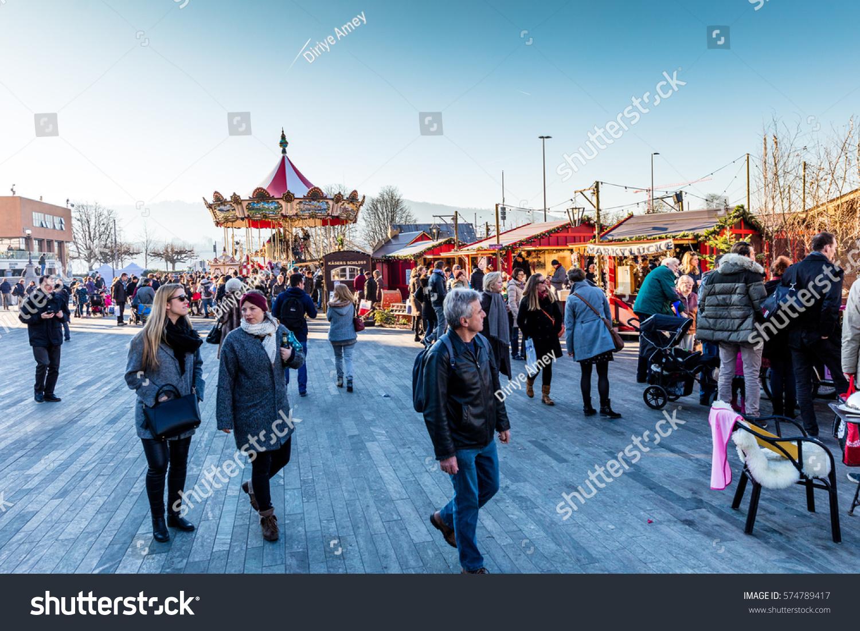zurich switzerland 10 december 2016 zurich christmas market in bellevue