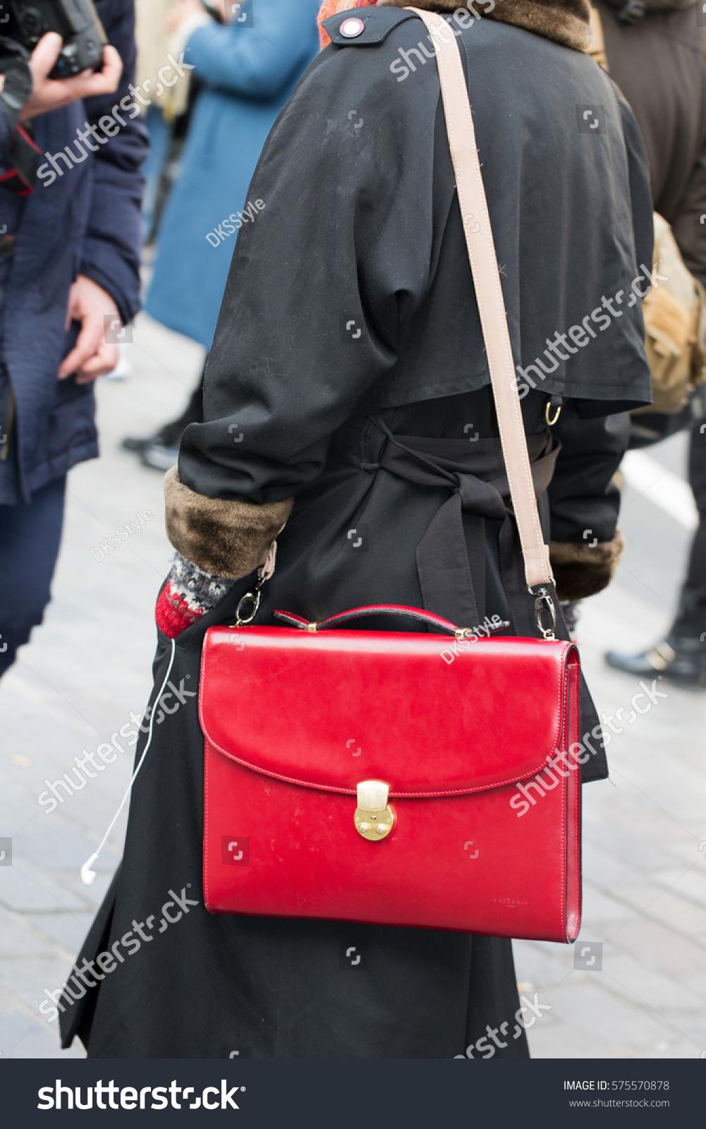 8904edb29c600 Parisjanuary 23 2015 Street Fashion Bag Stock Photo (Edit Now) 575570878