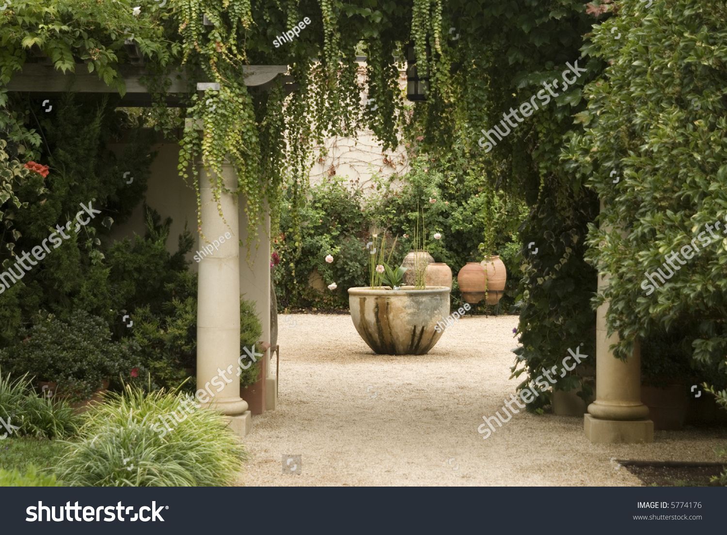Garden Courtyard Columnslarge Pots Lots Plantsgravel Stock Photo